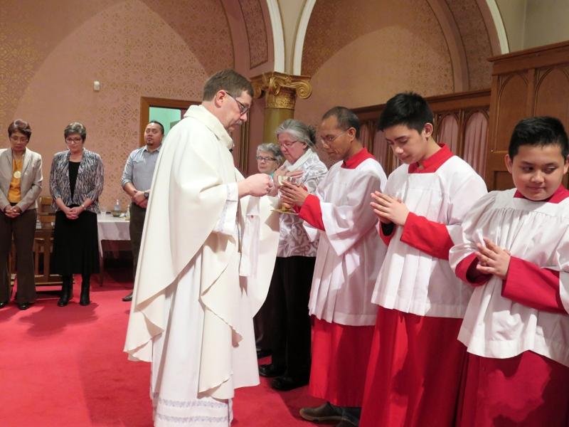 Eucharist_IMG_285042.JPG