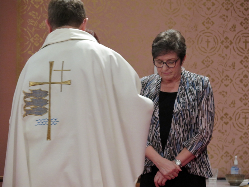 Eucharist_IMG_285445.JPG